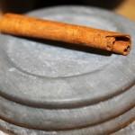 Lid & Cinnamon Stick