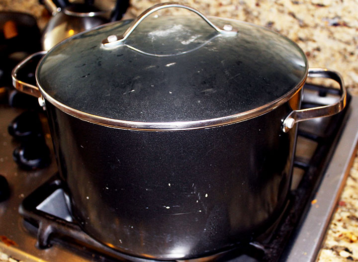 Boiling Water & how to make your own #Kombucha via www.agutsygirl.com