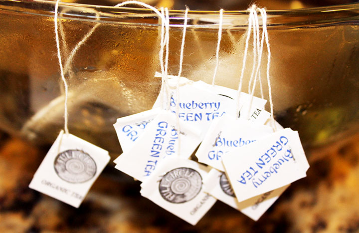 Tea Bags for how to make your own #Kombucha via www.agutsygirl.com