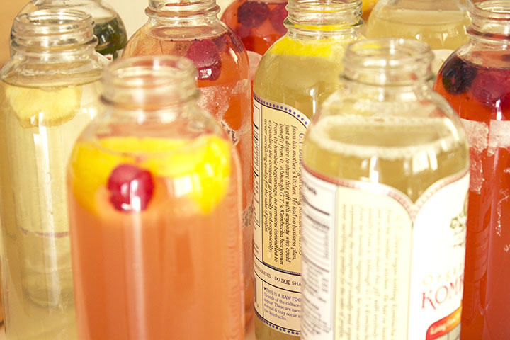 How to Flavor Homemade Kombucha via www.agutsygirl.com