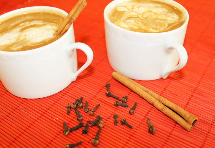 How to make your own Pumpkin Spiced Latte (gluten, grain, dairy, soy and egg free) #recipe via www.agutsygirl.com