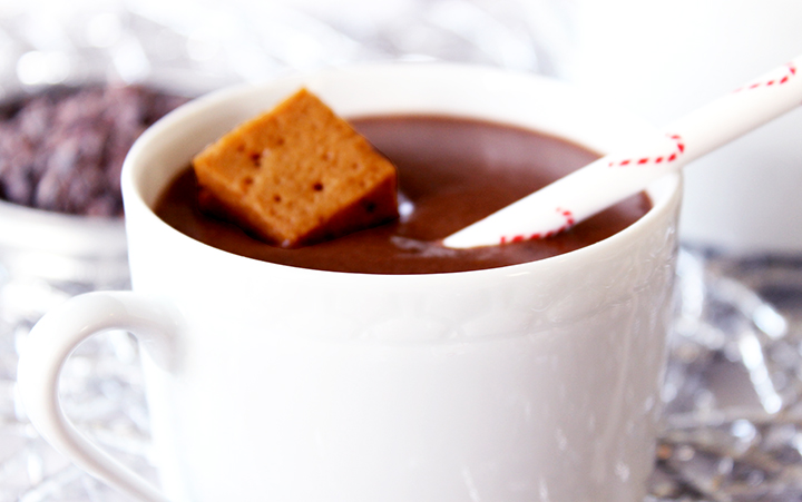 Spiced Peppermint Hot Cacao (gluten free, grain free, dairy free, soy free, egg free, unprocessed) via www.agutsygirl.com