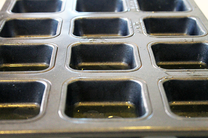 Mini Brownie Pan for Baked Turkey Patties via www.agutsygirl.com #Recipe #glutenfree #dairyfree
