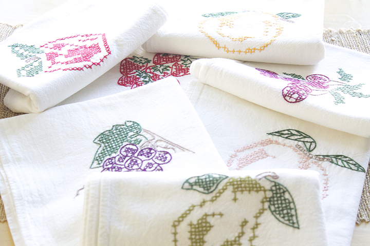 Traditional Kitchen towels via www.agutsygirl.com