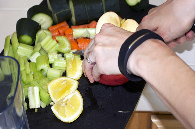 Making Fresh Juice #ReThinkYourDay via www.sarahkayhoffman.com Juicing