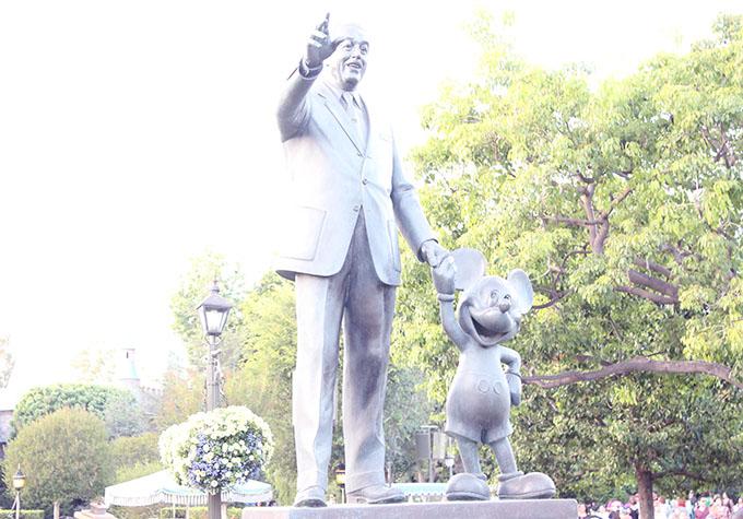 Walt Disney and Mickey at Disneyland www.agutsygirl.com