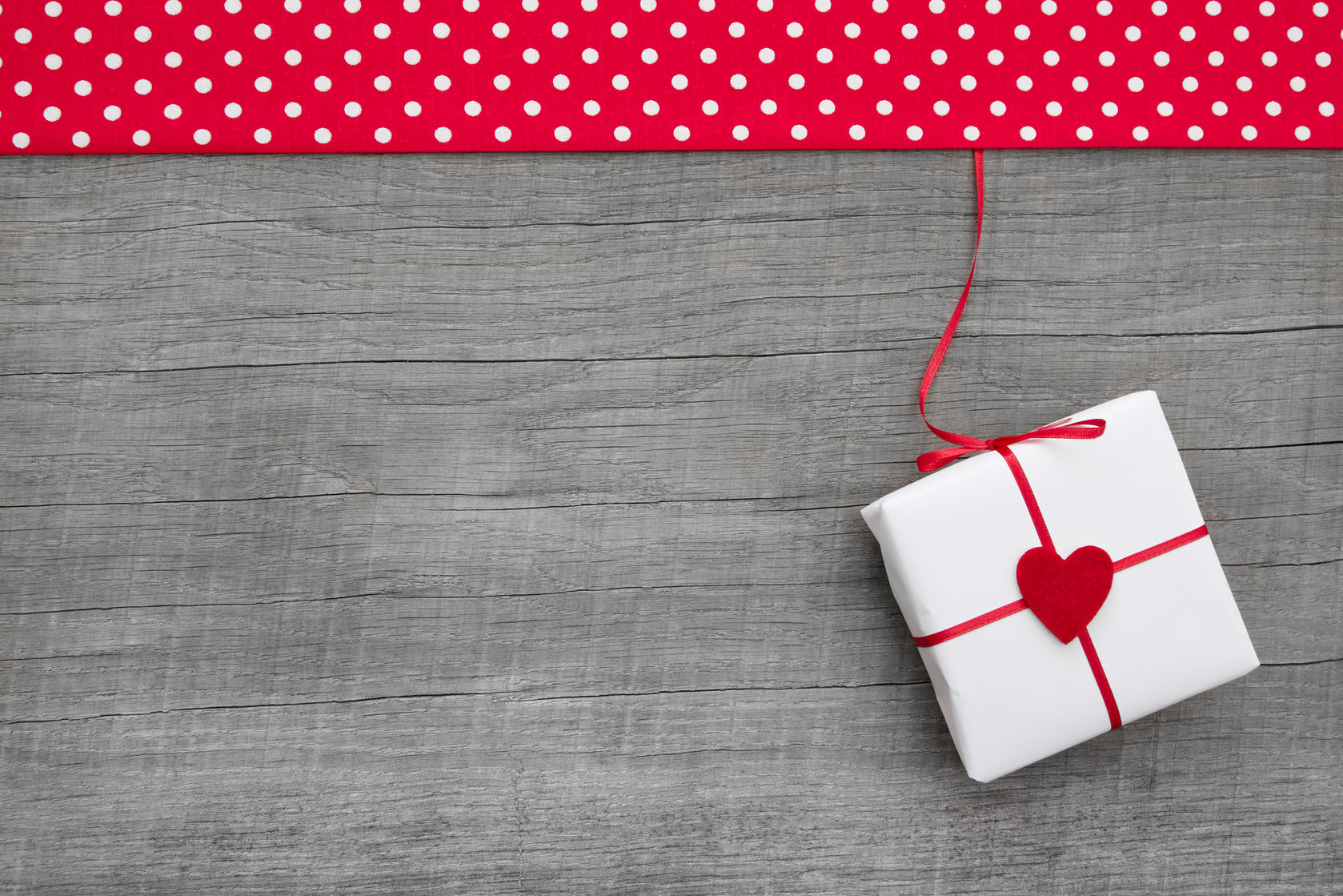 Single White Heart Gift Box