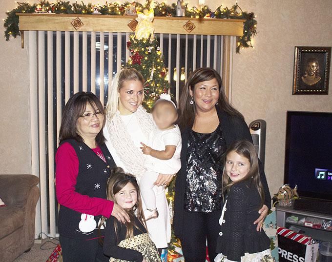 Blur. Lan + SKH + Kim + Sam + Sophie + Emma Christmas, 2014 sarahkayhoffman.com