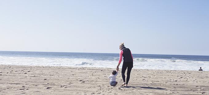 Mama + Samarah Manhattan Beach Hands sarahkayhoffman.com