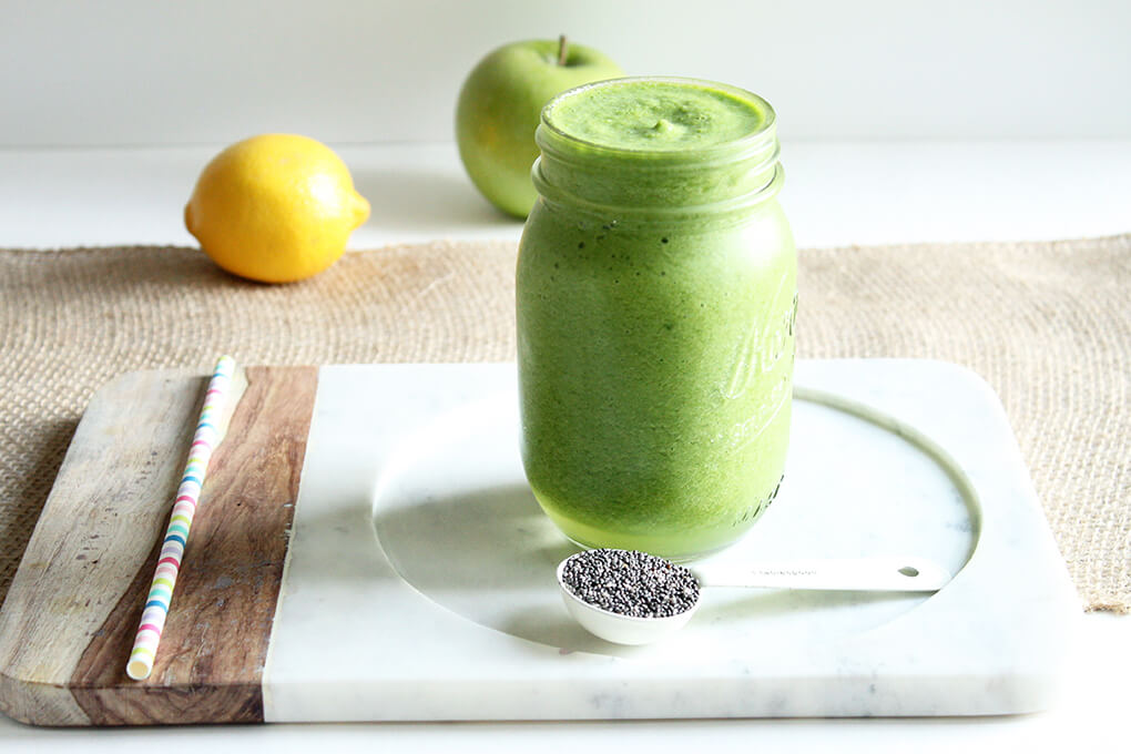 3 Healthy Smoothie Recipes Apple Alkalaid Smoothie sarahkayhoffman.com