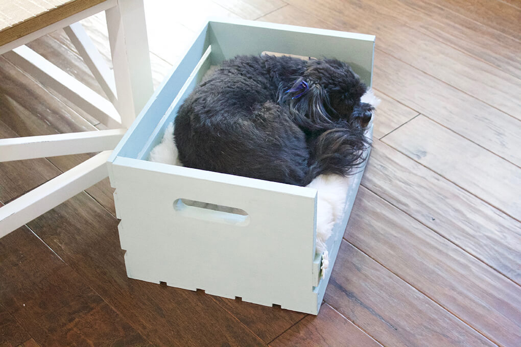 DIY Farmhouse Wooden Crate Bed for Puppy sarahkayhoffman.com Finished