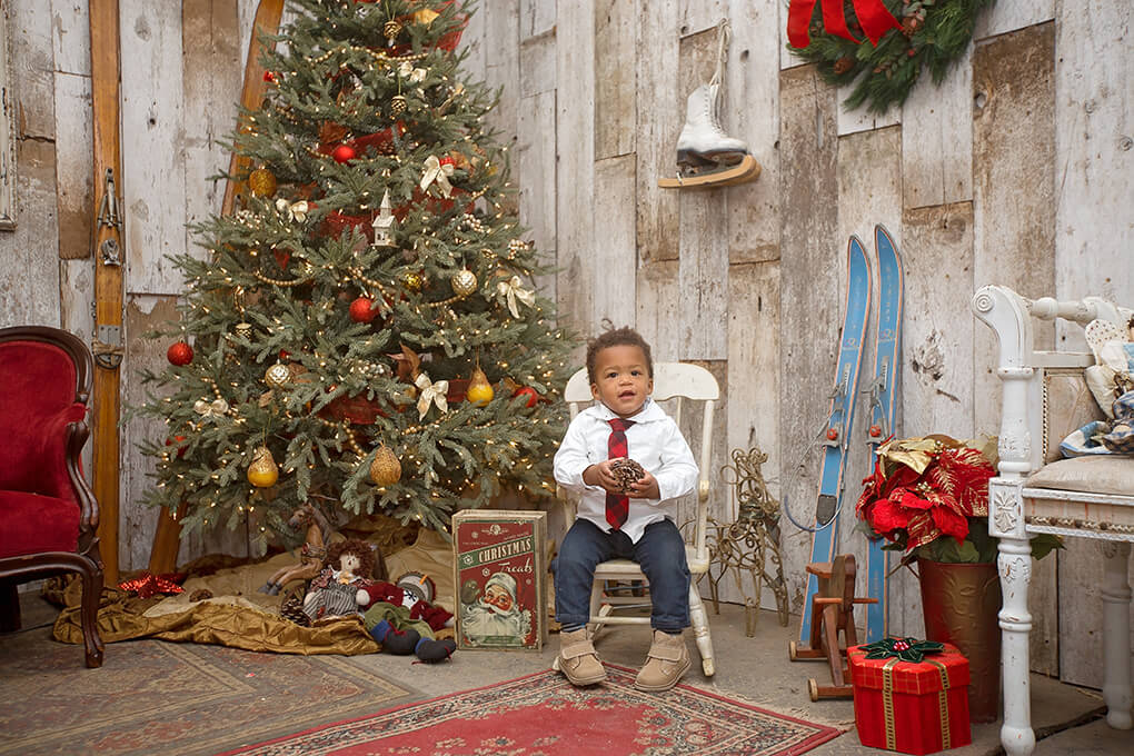 A Little Boy sarahkayhoffman.com Isaiah Christmas Picture 2016