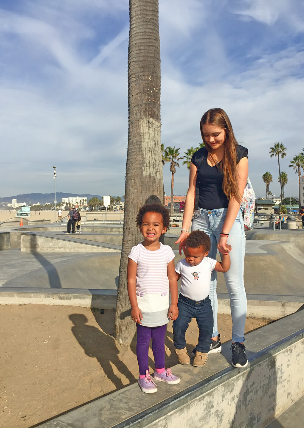 Thankful sarahkayhoffman.com Ceci Month 4 with Samarah and Isaiah Venice Beach