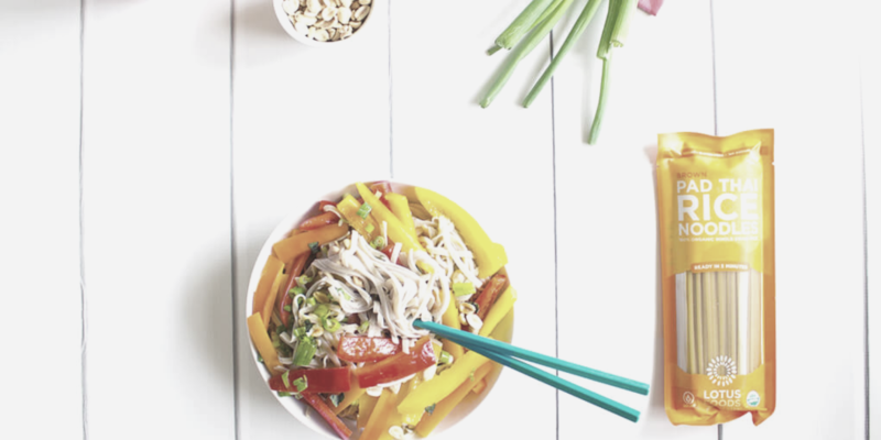 summer pad thai noodles featured