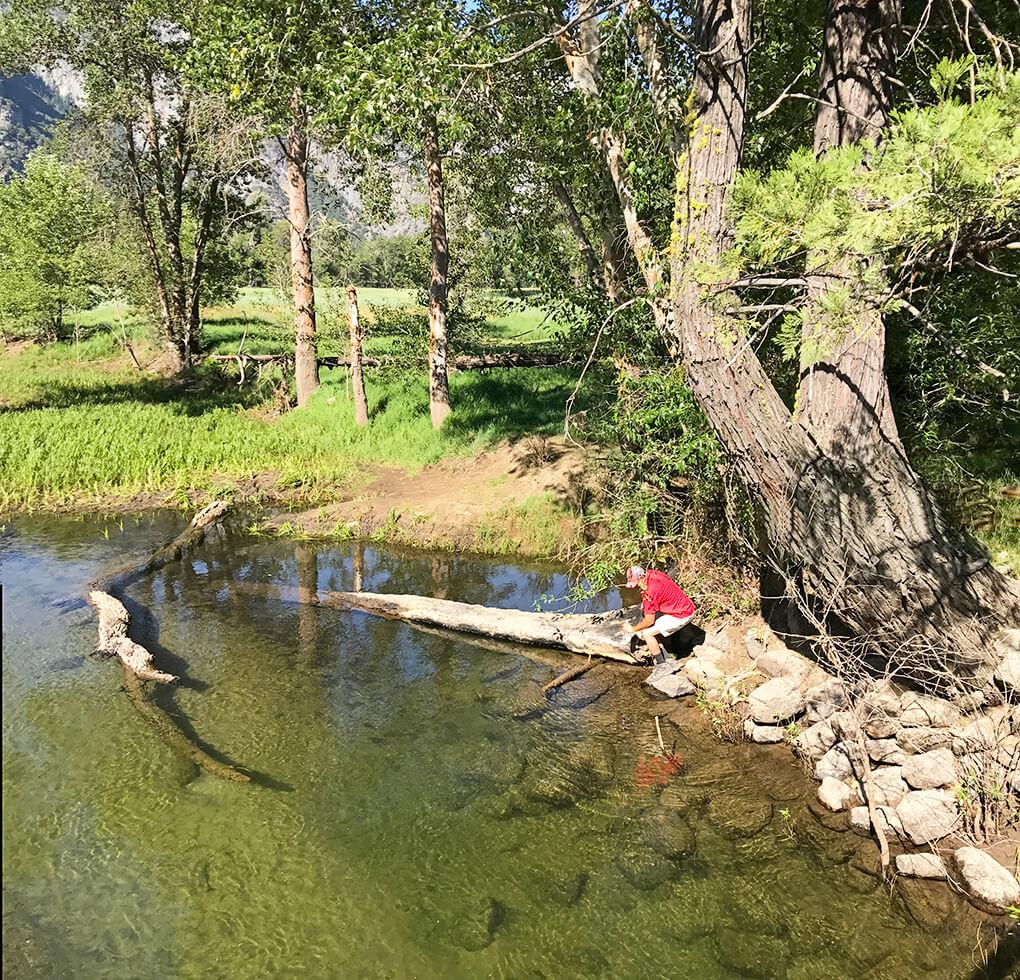 Hiking Yosemite sarahkayhoffman.com JJ water filter