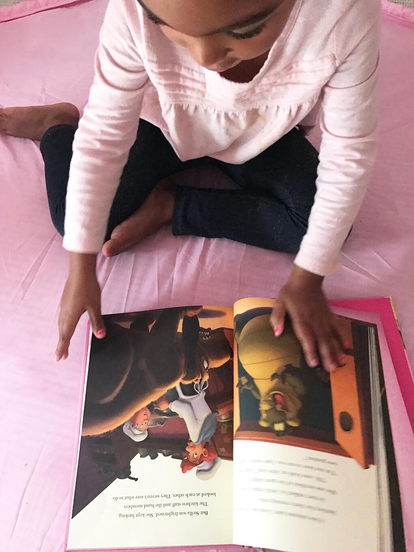 Her Favorite Disney Princess sarahkayhoffman.com Samarah reading