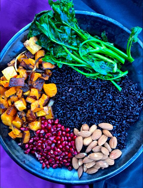 December 2017 Catch Up Over Bone Broth sarahkayhoffman.com Lotus Foods Buddha Bowl Forbidden Rice black rice food photography