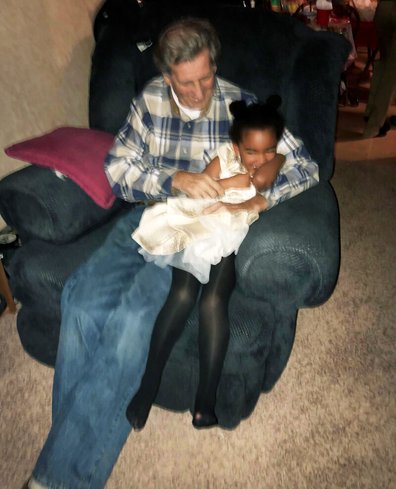 Change Pain Point sarahkayhoffman.com dad, Samarah, tickling Christmas 2017