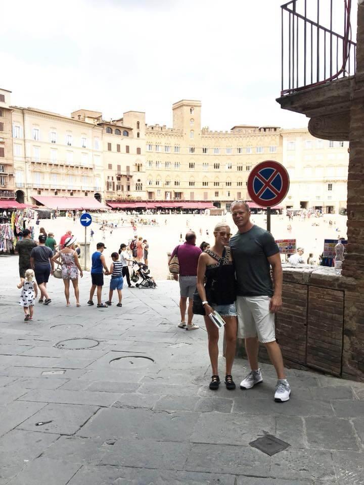 July 2018 Catch Up Over Bone Broth www.sarahkayhoffman.com Ryan and SKH Siena, Italy #lifestyle #lifestyleblogger #travel #Italy
