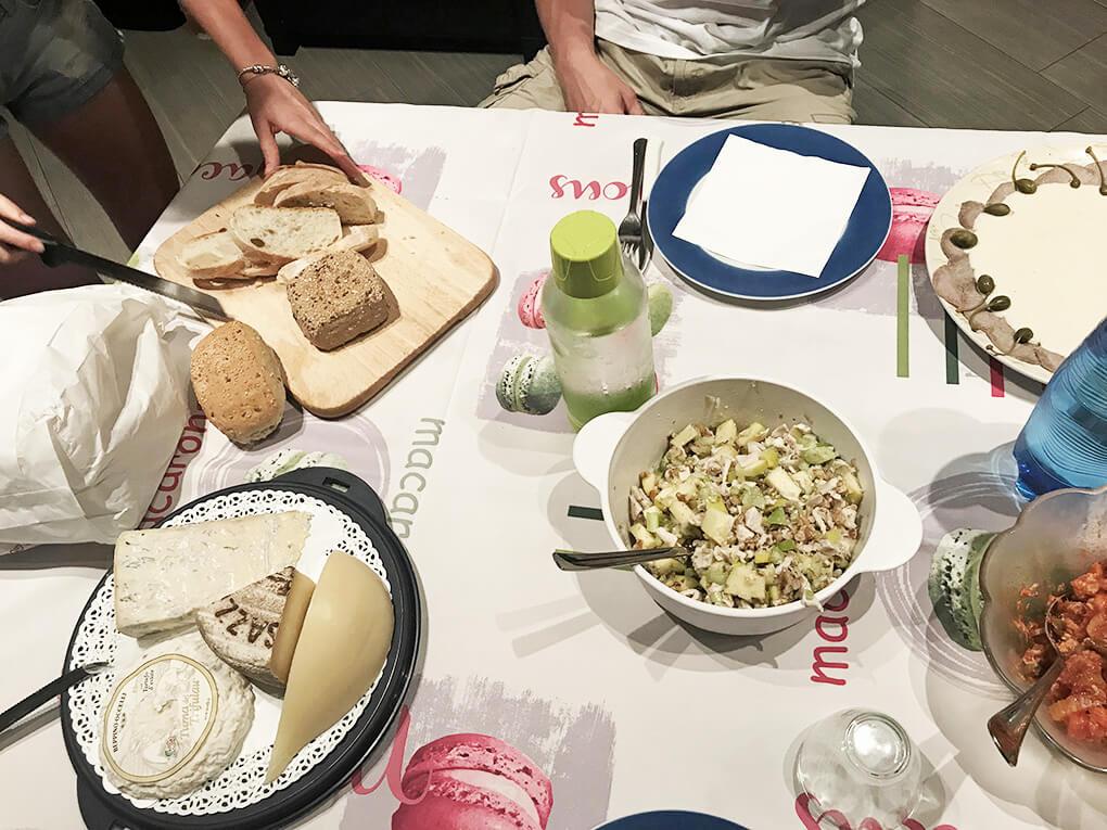 Kilometer Zero www.sarahkayhoffman.com Italian dinner #travel #italy #glutenfree