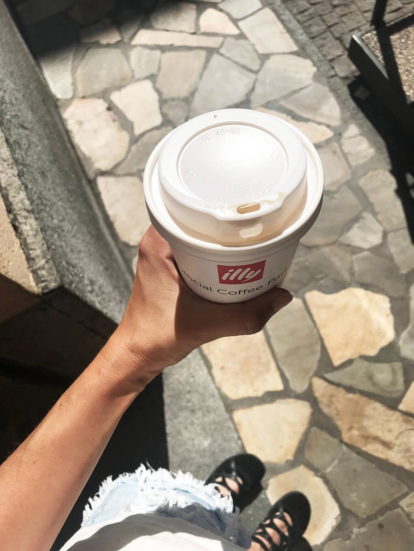 Kilometer Zero www.sarahkayhoffman.com coffee cup Italy #travel #italy #glutenfree