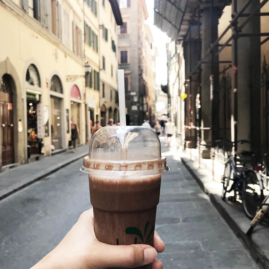 Kilometer Zero www.sarahkayhoffman.com smoothie #travel #italy #glutenfree