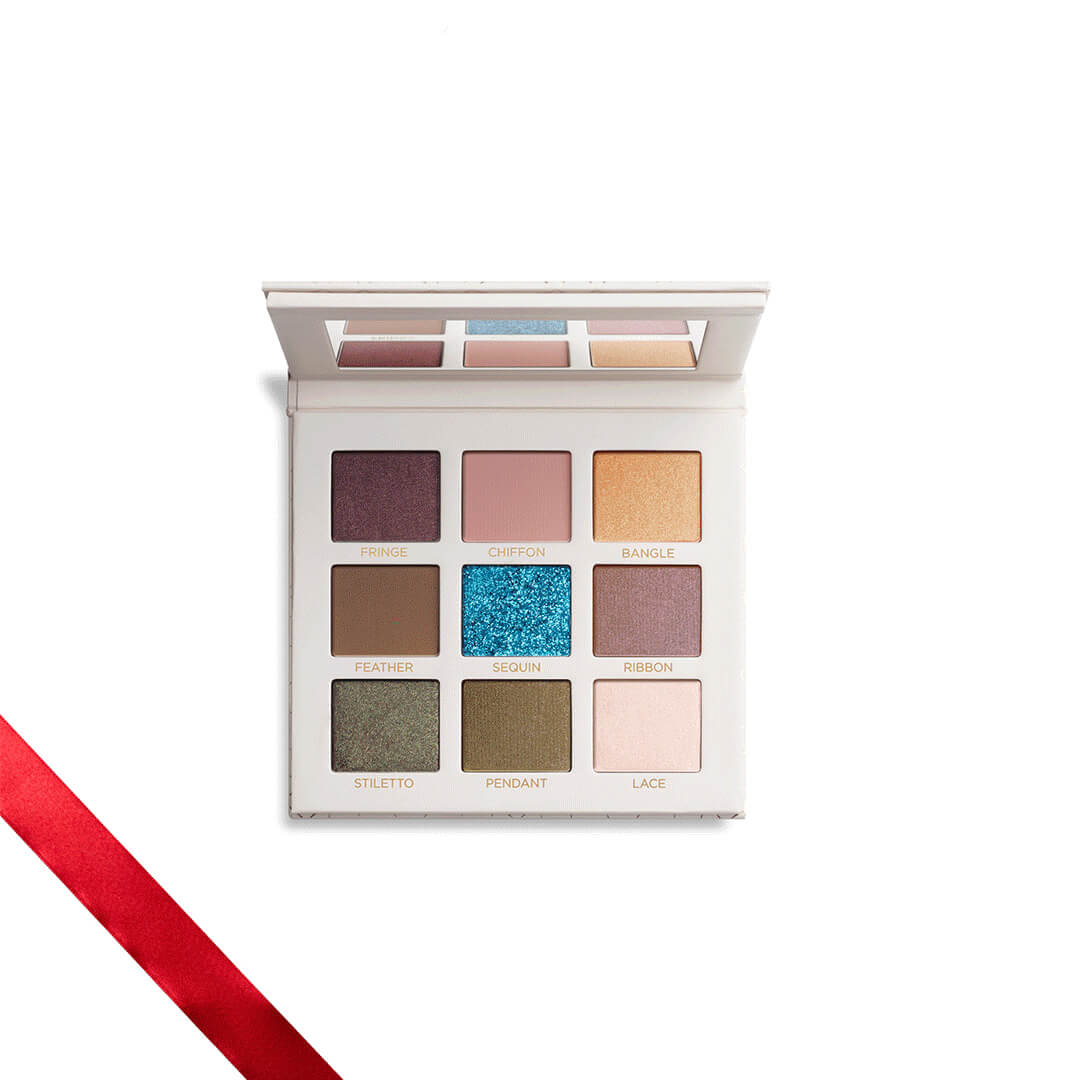 Holiday Makeup 2018 Beautycounter Skincare www.sarahkayhoffman.com Velvet Eye Shadow #makeup #beautycounter #betterbeauty #eyeshadow #holidaygifts