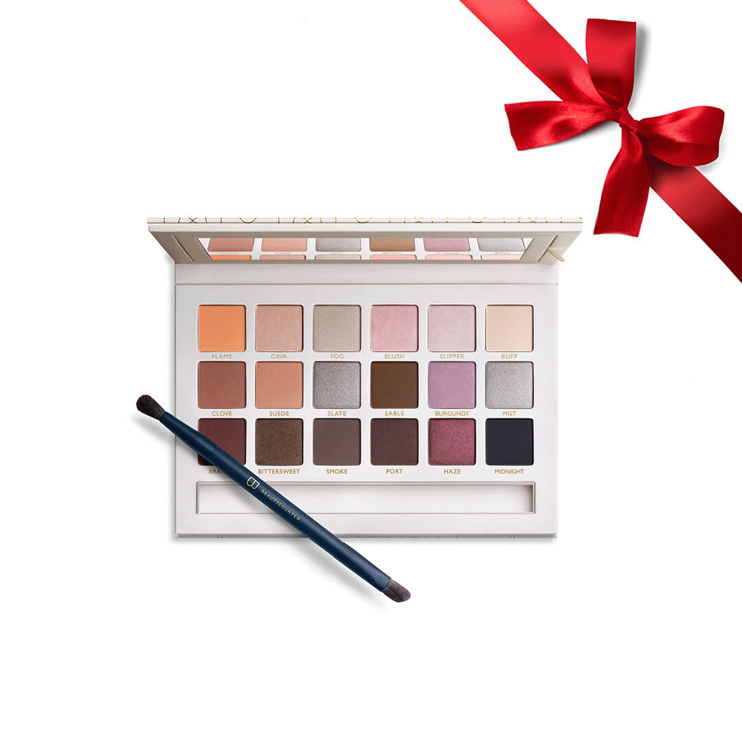 Holiday Makeup 2018 Beautycounter Skincare www.sarahkayhoffman.com #makeup #beautycounter #betterbeauty #eyeshadow #holidaygifts Necessary Neutrals Eye Shadow