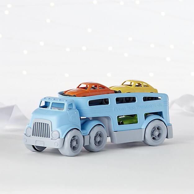 34 Holiday GiftIdeas for Babies and Toddlers www.sarahkayhoffman.com #holidaygift #toddler #gifts #holiday Green Toys Carrier Crate