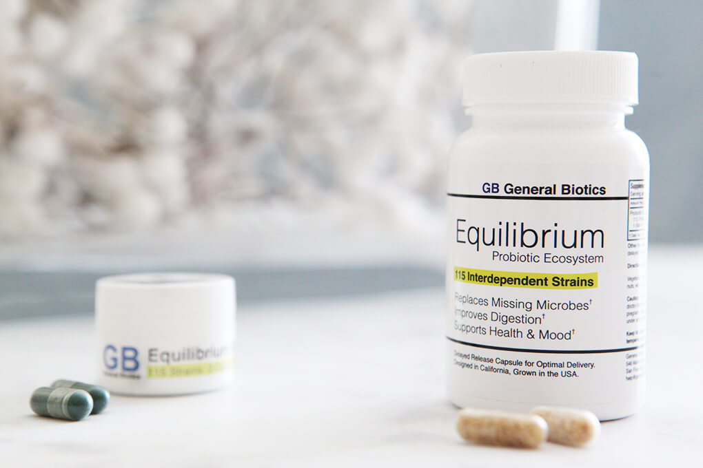 A Gutsy Girl Holiday 2018 Gut Health Wish List www.sarahkayhoffman.com Equilibrium Probiotic #holiday #guthealth #guthealing #holidaygifts #probiotic #supplement