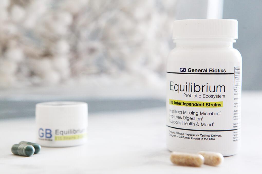 A Gutsy Girl Holiday 2018 Gut Health Wish List www.sarahkayhoffman.com Equilibrium Probiotic #holiday #guthealth #guthealing #holidaygifts #probiotic #supplement