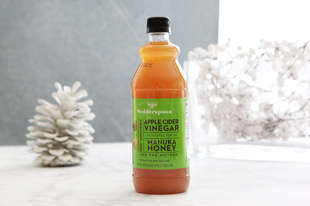 A Gutsy Girl Holiday 2018 Gut Health Wish List www.sarahkayhoffman.com Wedderspoon manuka honey apple cider vinegar acv #holiday #guthealth #guthealing #holidaygifts #gifts