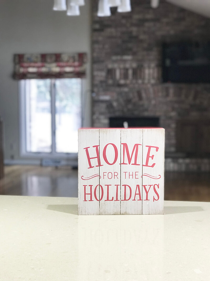 Home www.sarahkayhoffman.com Home for the Holidays #home #etsy #lifestyleblogger #homedecor