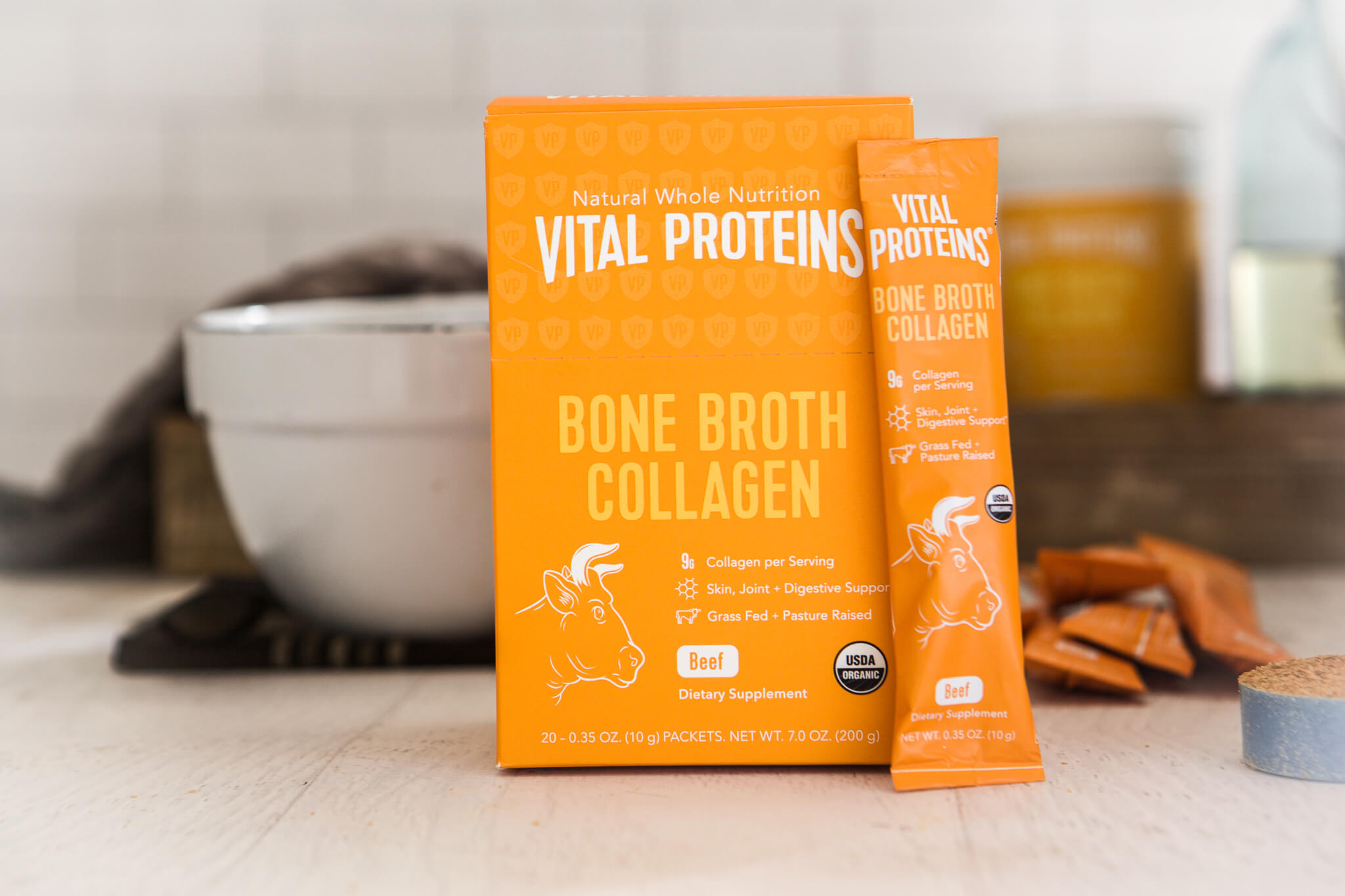 Bone Broth Benefits www.sarahkayhoffman.com #guthealth #bonebroth #guthealing #StayVital Vital Proteins Beef Collagen Bone Broth