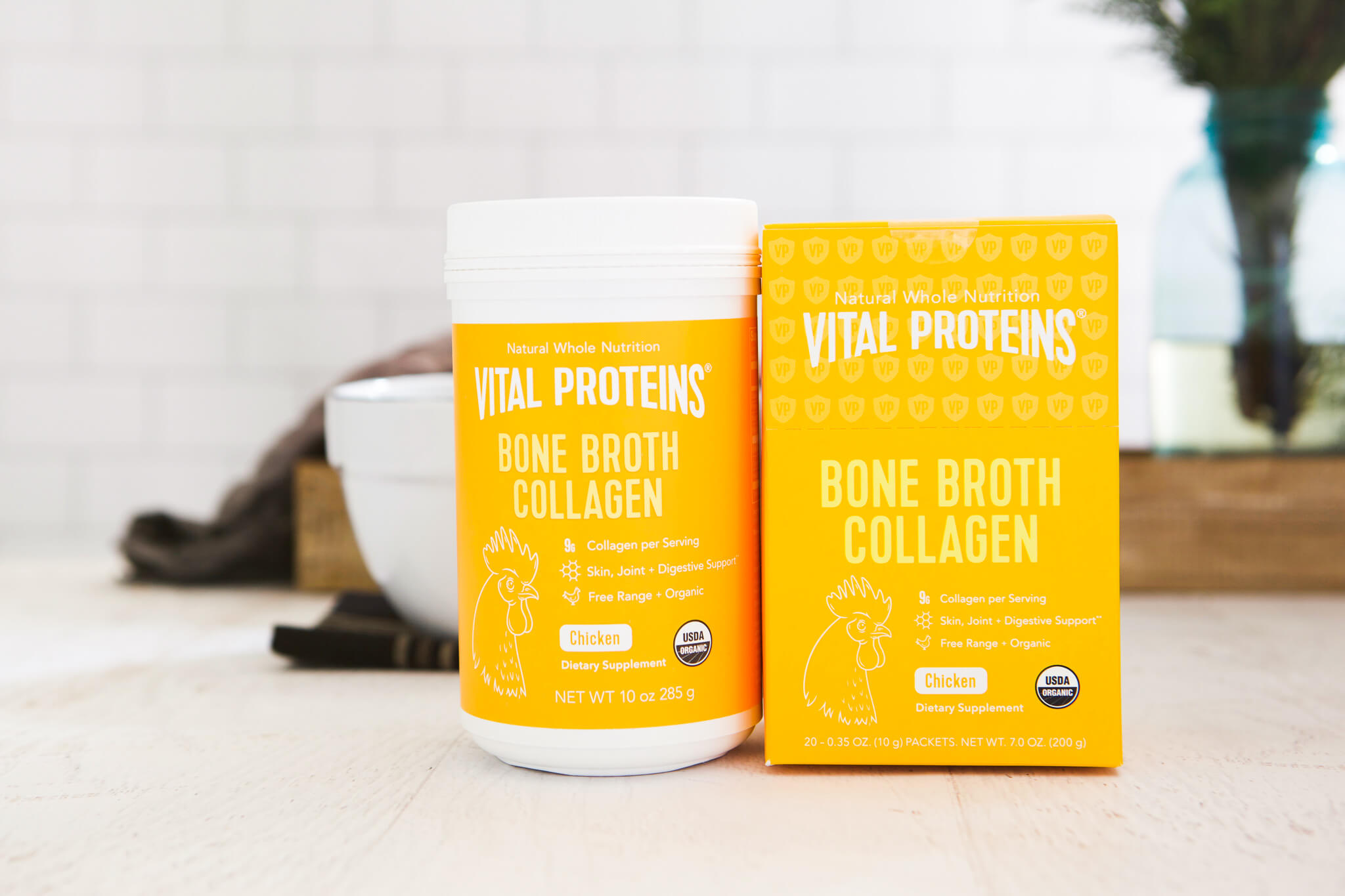 Bone Broth Benefits www.sarahkayhoffman.com #guthealth #bonebroth #guthealing #StayVital Vital Proteins Chicken Collagen Bone Broth