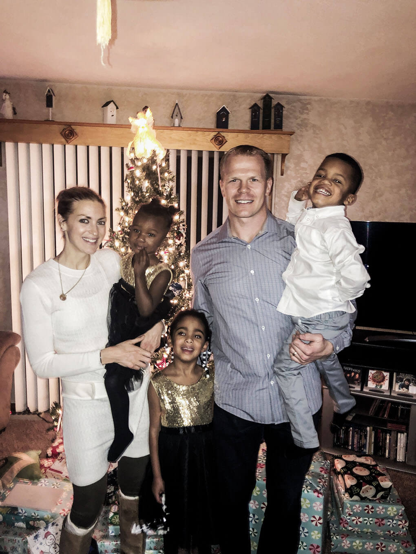 December 2018 Bone Broth Chat www.sarahkayhoffman.com #lifestyleblogger family Christmas picture SKH Amiya Isaiah Samarah Ryan