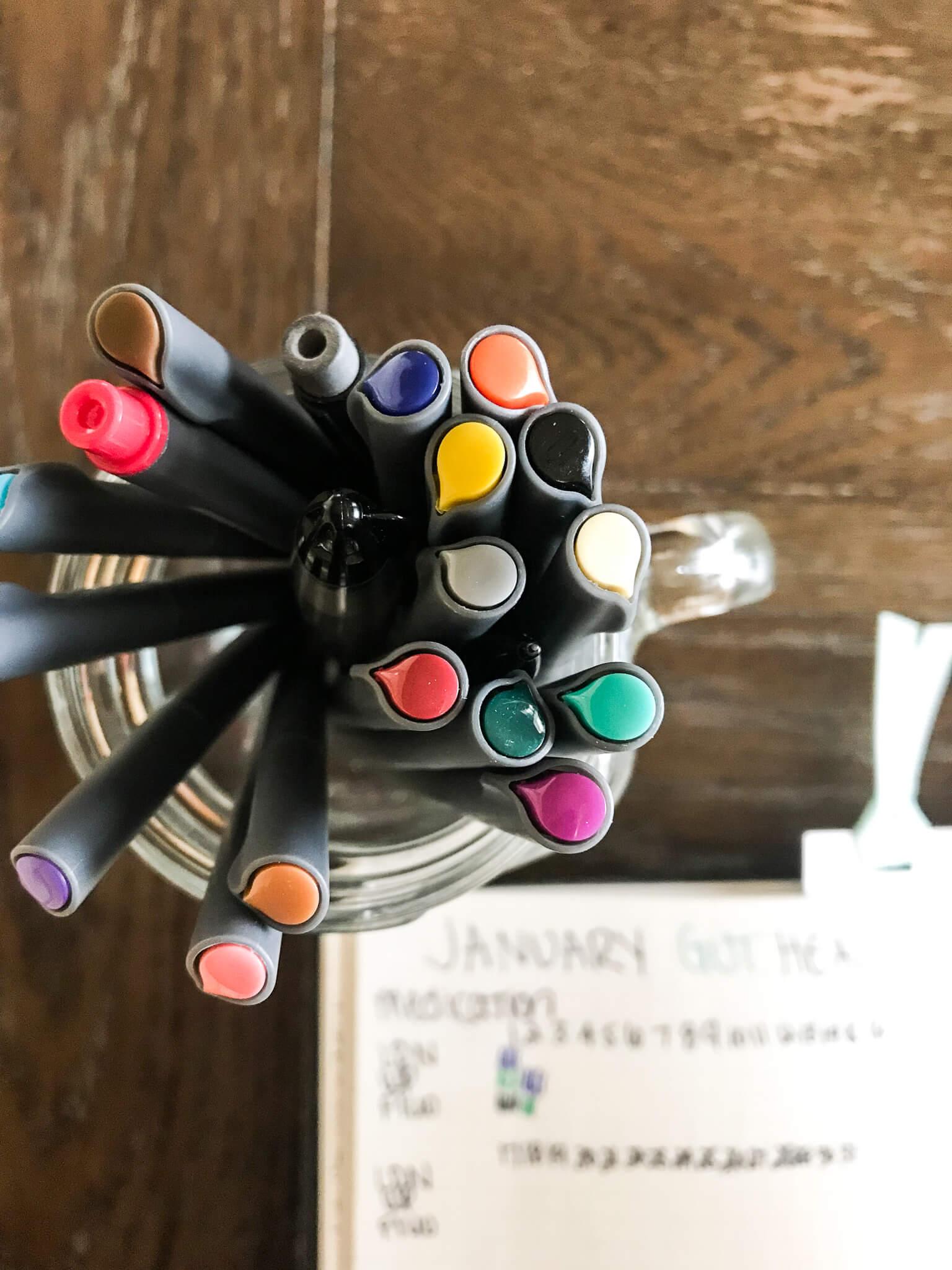 2019 Bullet Journal www.sarahkayhoffman.com #bulletjournal #bujo #healthyliving #mompreneur bujo pens