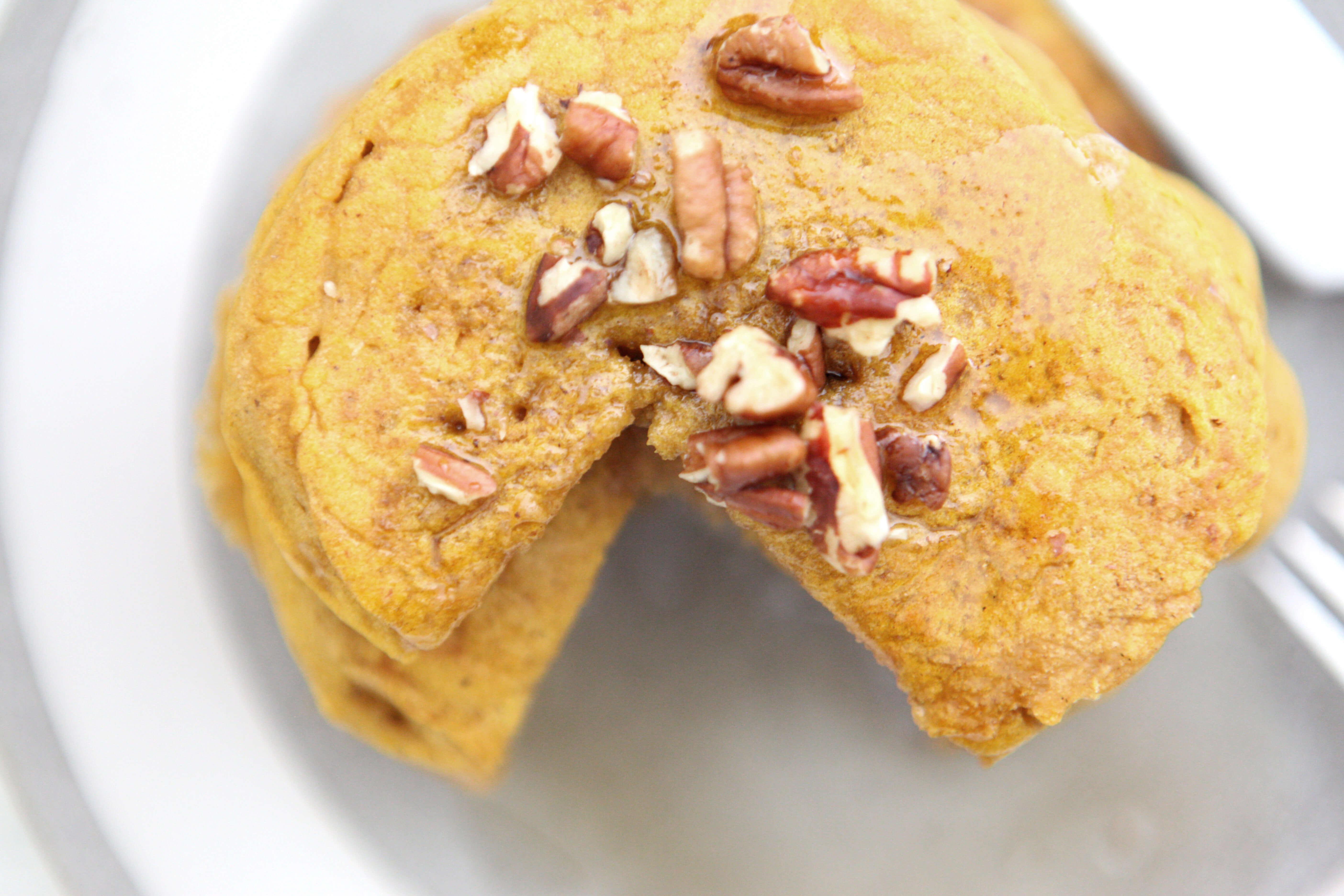 Gluten Free Recipe Roundup Nine www.sarahkayhoffman.com #healthyliving #recipes #glutenfree #dairyfree #veganrecipes Pumpkin Maple Pancakes #pancakes