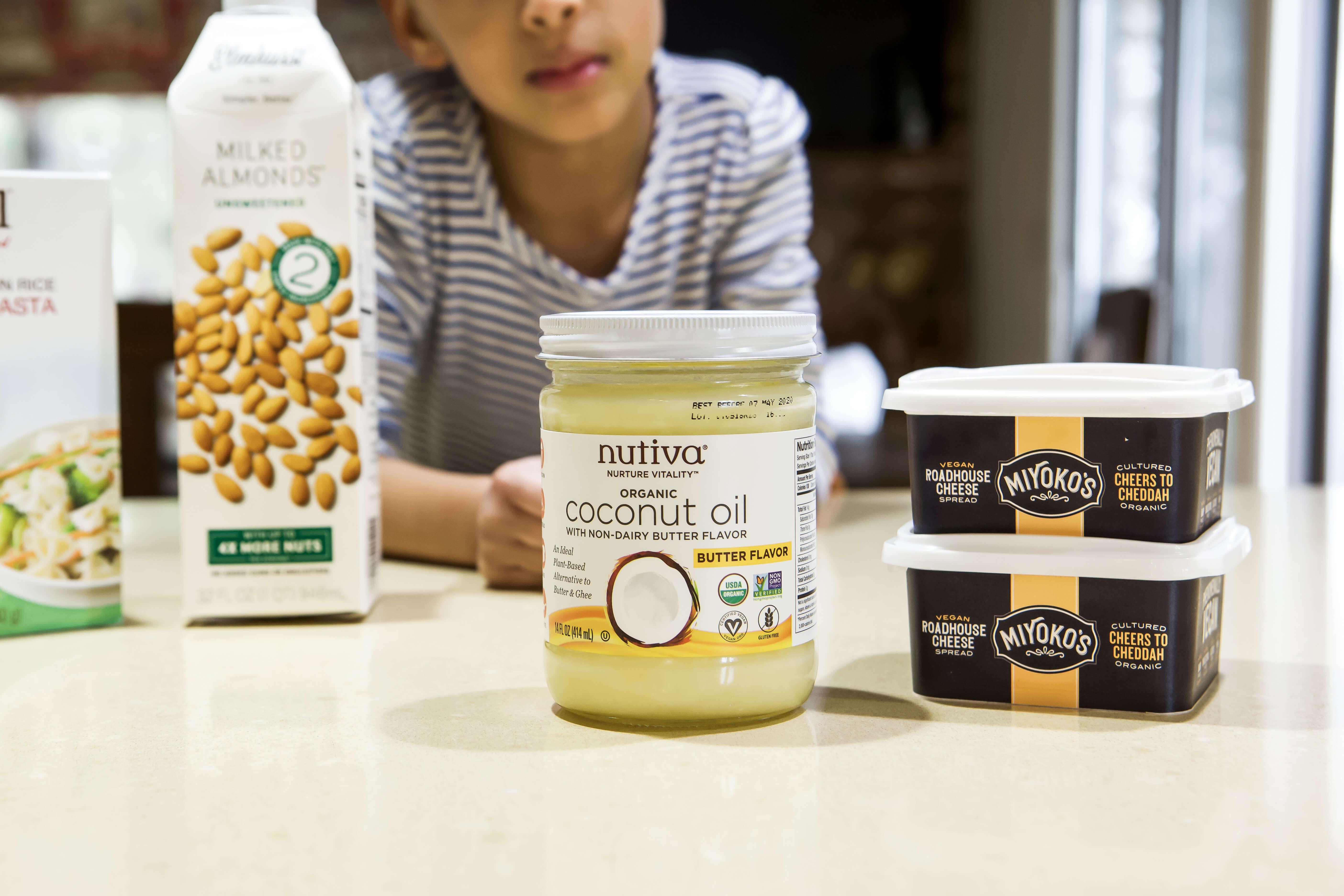 Vegan Mac n Cheese agutsygirl.com #veganrecipes #agutsygirl #glutenfree Nutiva Elmhurst Miyokos
