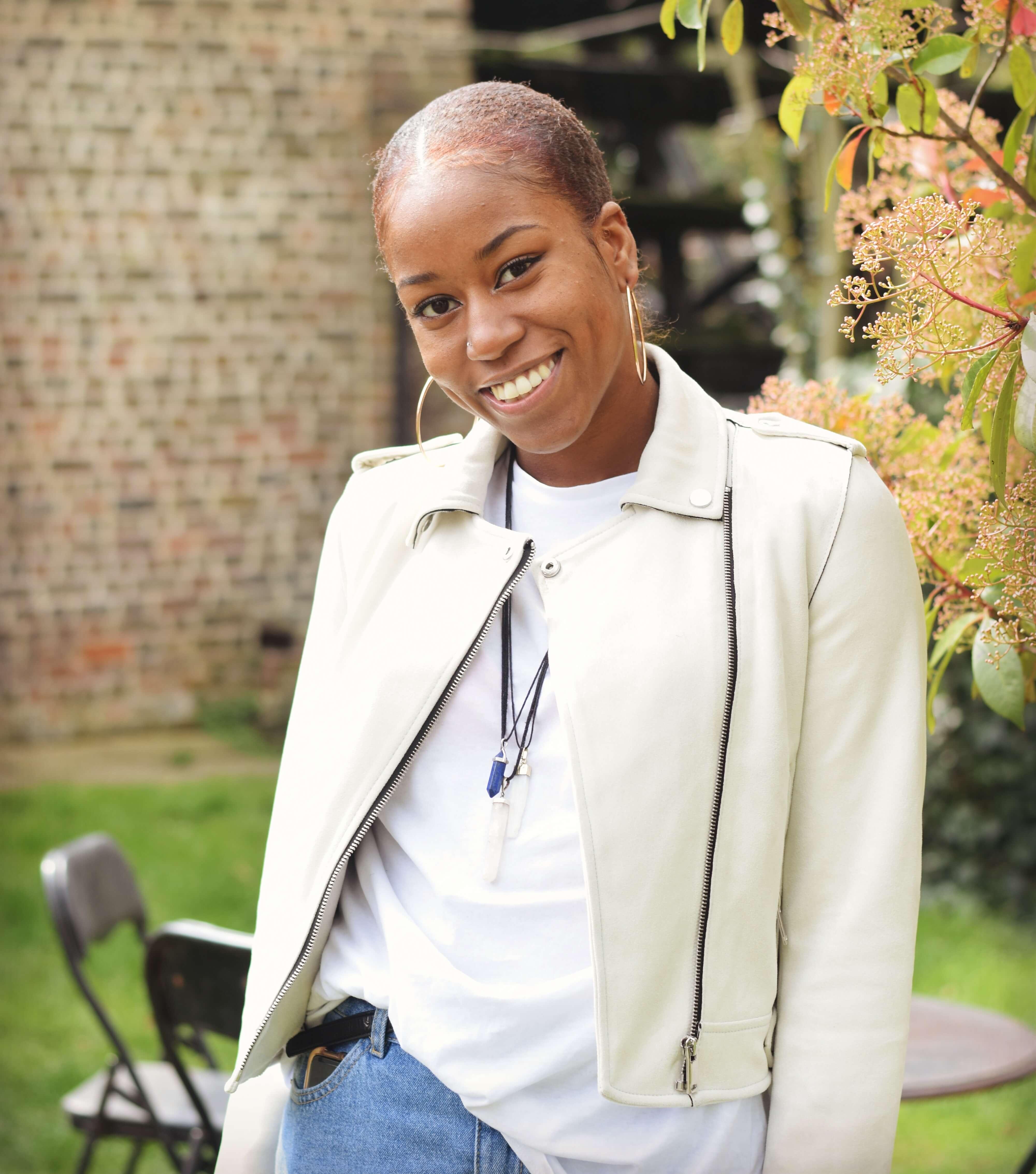 A Gutsy Girl's Story Living with Crohn's Disease agutsygirl.com #guthealth #crohns #ibs Ashara
