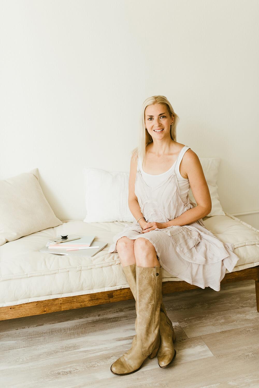 Full-Time A Gutsy Girl agutsygirl.com #mompreneur #guthealth #entrepreneur #ibs