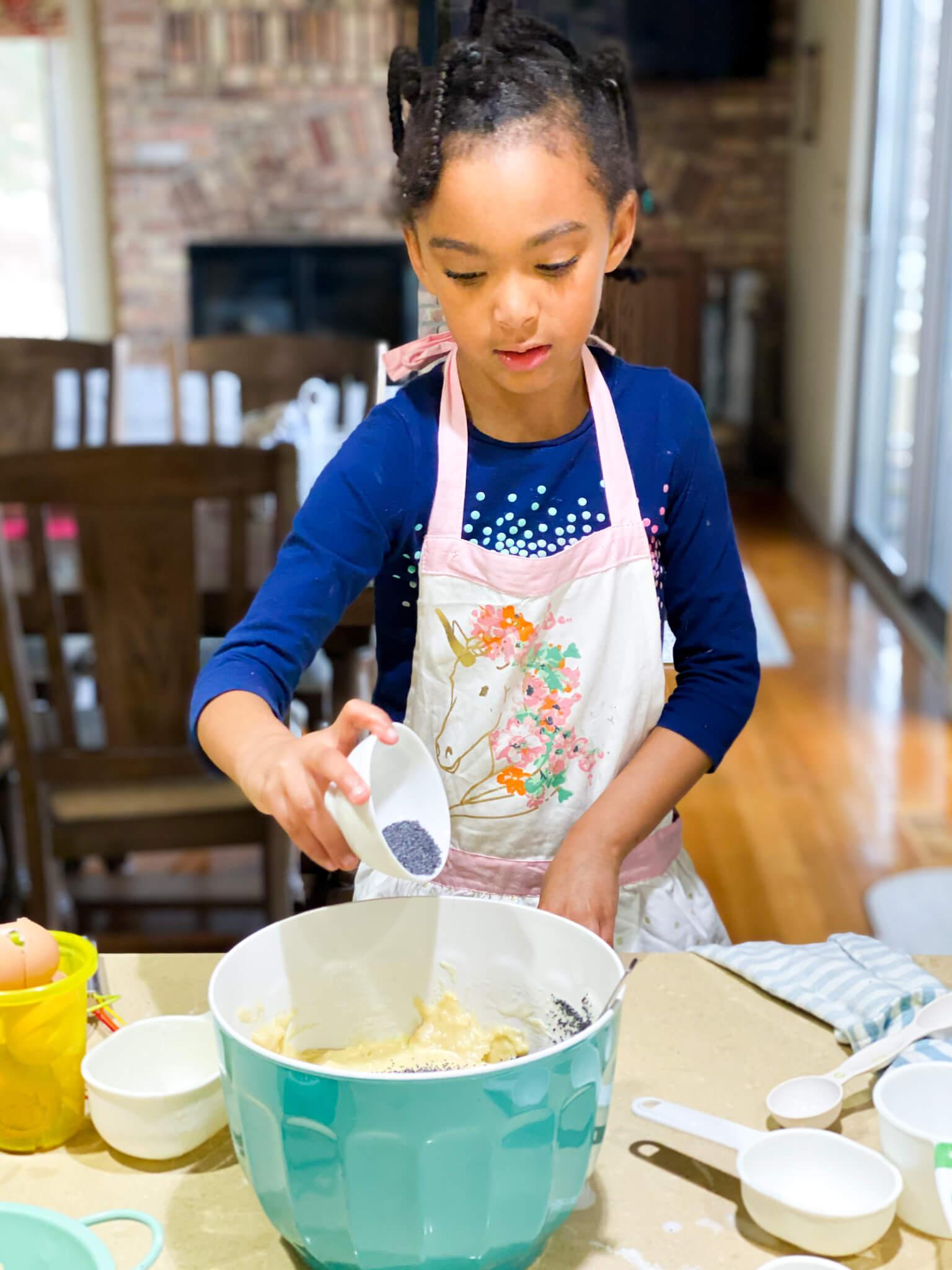 Gluten and Dairy-Free Almond Poppy Seed Sheet Cake Recipe agutsygirl.com #glutenfreerecipe #dairyfreerecipe #glutenfreedairyfree #poppyseed Samarah
